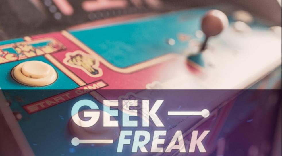 """PodCast de """"Geek & Freak"""" con Víctor Espinoza."""